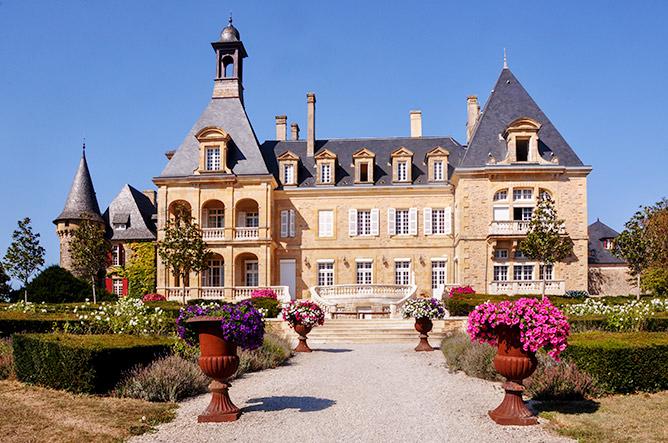 Le château d'Essendiéras, propriété de Mme et M. Bakker