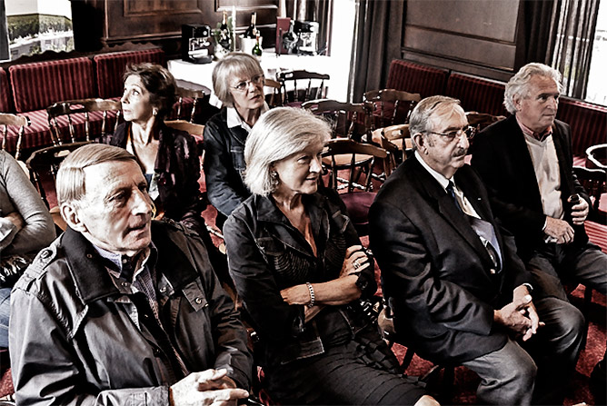 Jean-Paul Daudou expose son programme pour les prochaines législatives devant une audience attentive - par Pascal Serre