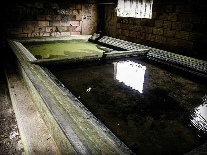 Un lavoir en cours de restauration