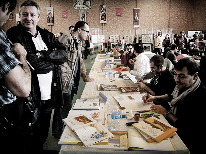 D'une travée à l'autre, la foule pour les 50 auteurs du Salon de la bande dessinée à Bassillac