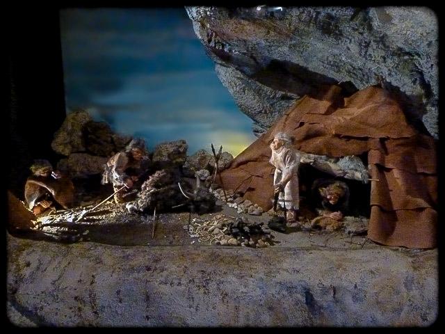Ours et lion des cavernes