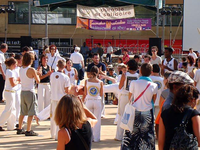 La Capoeira Senzala Do Périgord sur la place Francheville à Périgueux