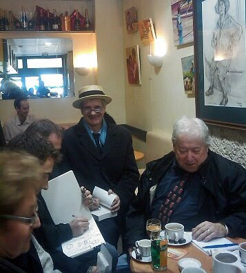 Jean Lassalle a coiffé le canotier d'Alain Bernard (assis à droite)
