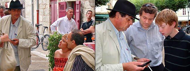 Michel Grégoire montre son appareil à Frédéric Perraud