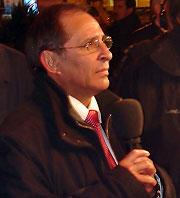 Michel Moyrand au cours d'un interview la nuit du résultat des municipales