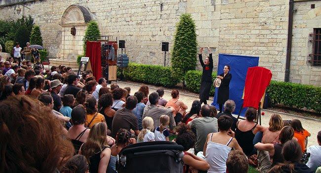 La compagnie Aïe Sandunga au MIMOS de Périgueux - Les deux Fridas au jardin du Thouin