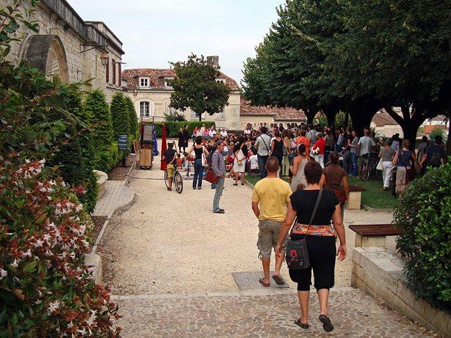Le jardin du Thouin près de la cathédrale Saint Front