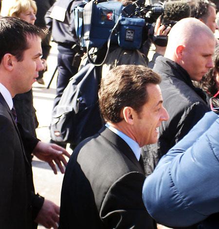 Nicolas Sarkozy bain de foule à Périgueux le 15 février 2008