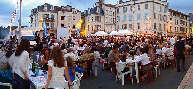 La Truffe d'Argent 2009 sur la place de la Clautre à Périgueux