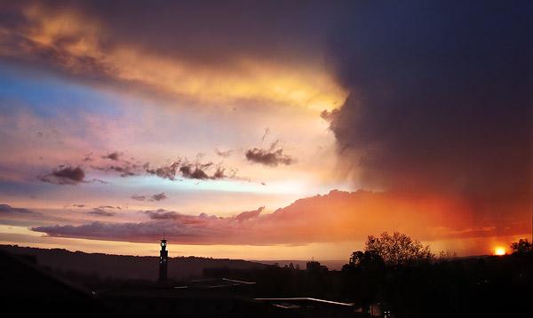 Périgueux sous un ciel de pluie