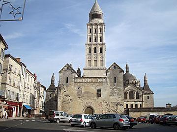 Saint-Front place de la Clautre