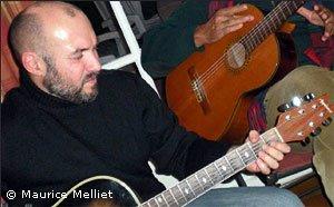 Thierry Bacofin à la guitare