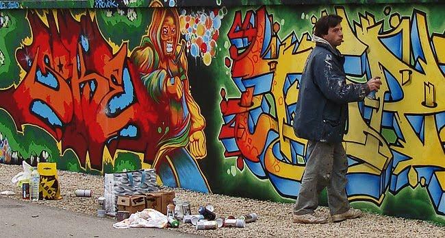 Artiste de rue sur la voie verte à Périgueux