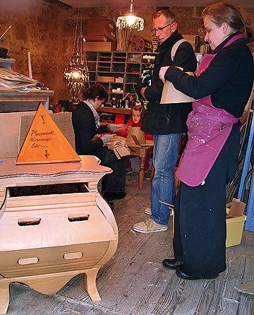 Boutique à carton avec Émilie Langlais et Anne Maitrot