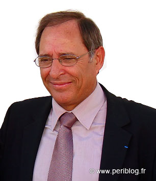 Michel Moyrand lors de l'inauguration de l'esplanade Badinter en 2009