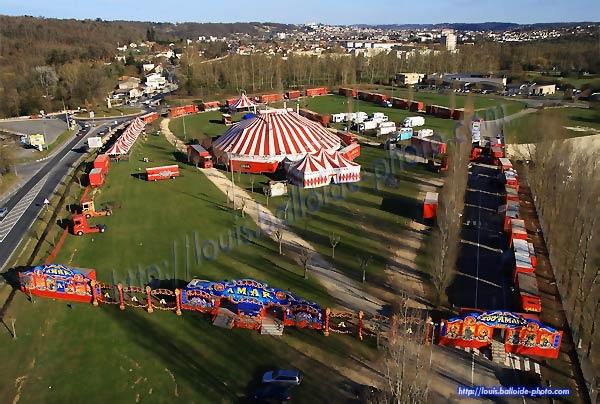 Le cirque AMAR à Marsac-sur-L'Isle 24430 vu du ciel - copyright Dominique Louis