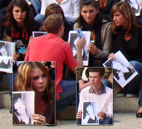 Amies et Amis d'Amélie Broussillou sur la place Francheville à Périgueux