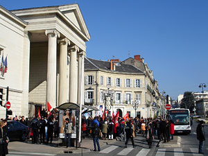 Manifestation prés du Palais de Justice de Périgueux le 15 février 2008