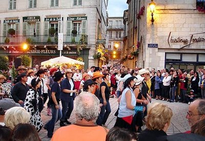 Marché de nuit Périgueux 08-08-2007 - Line Dancing