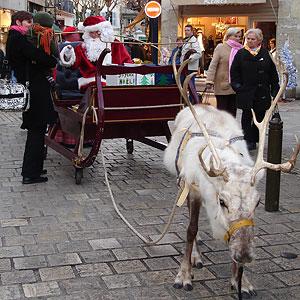 père Noël avec traineau et renne Périgeux 2007