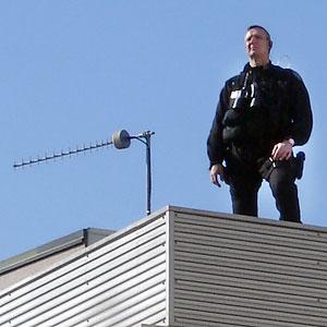 Surveillance policière sur les toits du théâtre de Périgueux