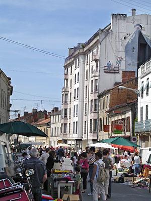 Rue des Mobiles lors du vide-greniers de mai 2008